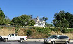 Athol Manor httpsuploadwikimediaorgwikipediacommonsthu