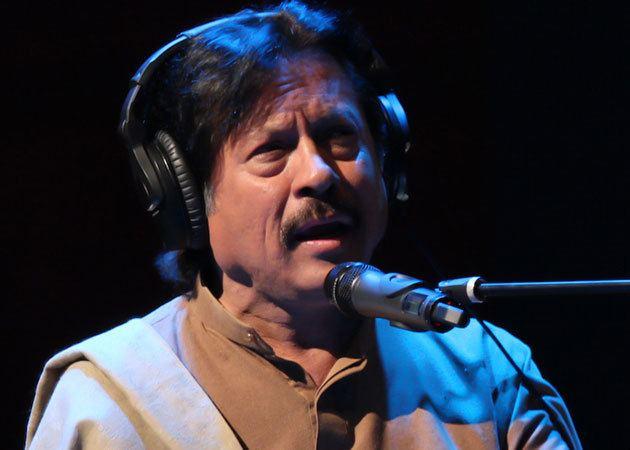 Attaullah Khan Esakhelvi Attaullah Khan Niazi Esakhelvi Turns 65 WebChutney