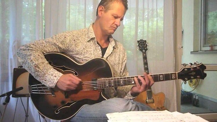 Attila Zoller HFNER Attila Zoller Gitarre wwwgermanjazzguitarsde YouTube