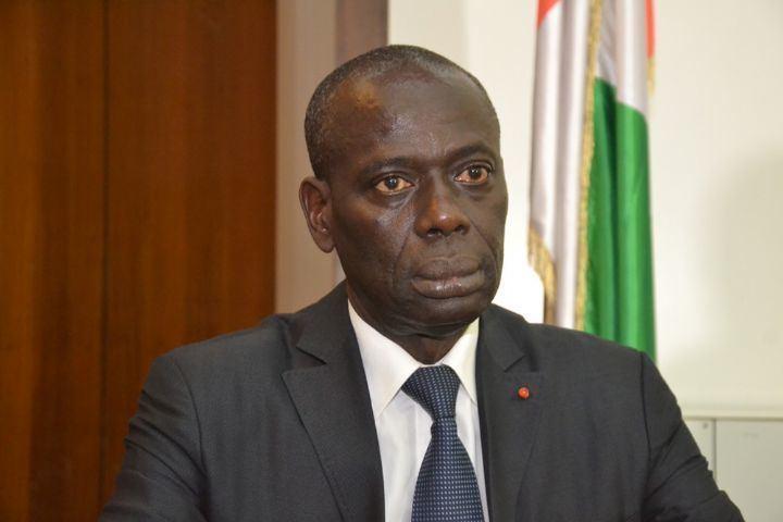 Augustin Thiam Dr Augustin THIAM a t reconduit Gouverneur du District Autonome de