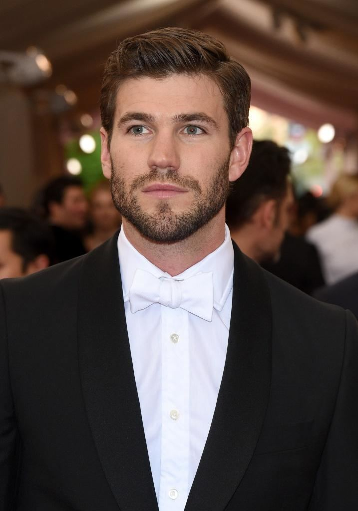 Austin Stowell Nina Dobrev dating actor Austin Stowell Daily Dish