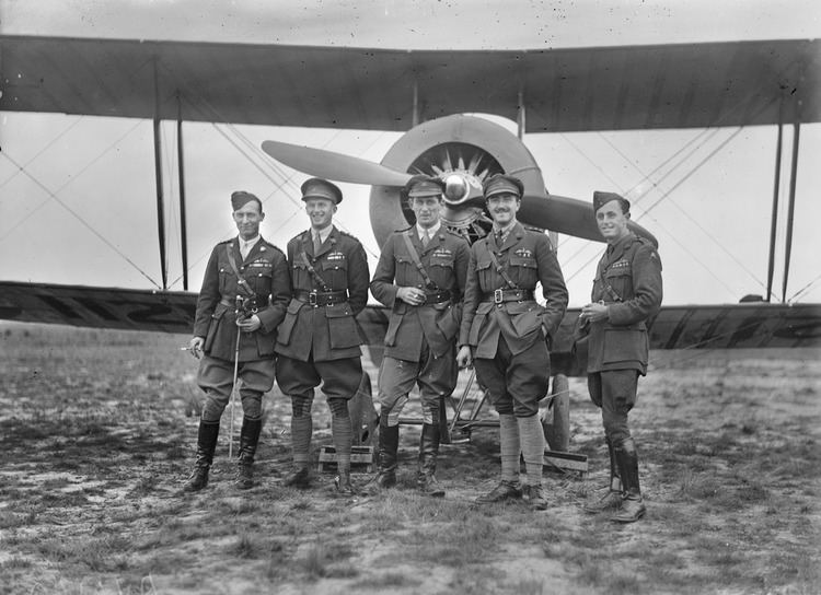 Australian Flying Corps Group portrait of five decorated Australian Flying Corps o Flickr