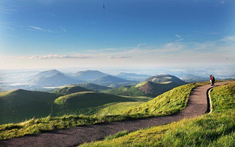 Auvergne wwwauvergnetourismcomsiteflashbkgdflashimg
