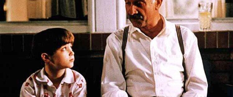 Avalon (1990 film) Avalon Movie Review Film Summary 1990 Roger Ebert