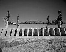 Avalon Dam httpsuploadwikimediaorgwikipediacommonsthu