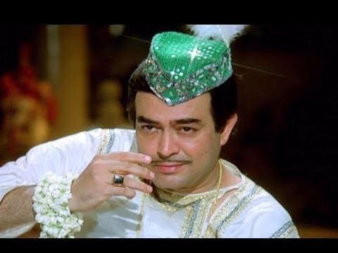 Topiwale Ne Karke Salaam Ayaash Sanjeev Kumar Bollywood Movie
