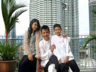 Aznil Nawawi 5 Foto AnakAnak Dan Bekas Isteri Datuk Aznil Hj Nawawi Yang Betul