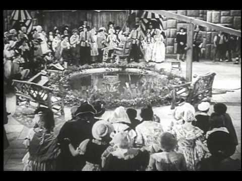 Babes in Toyland (1934 film) movie scenes BABES IN TOYLAND 1934