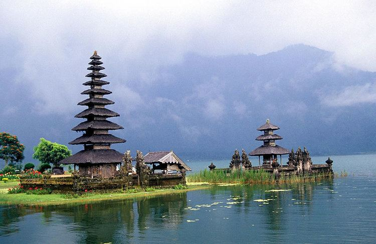Balinese temple 7 Sea Temples of Beautiful Bali The Island Paradise Of 1000