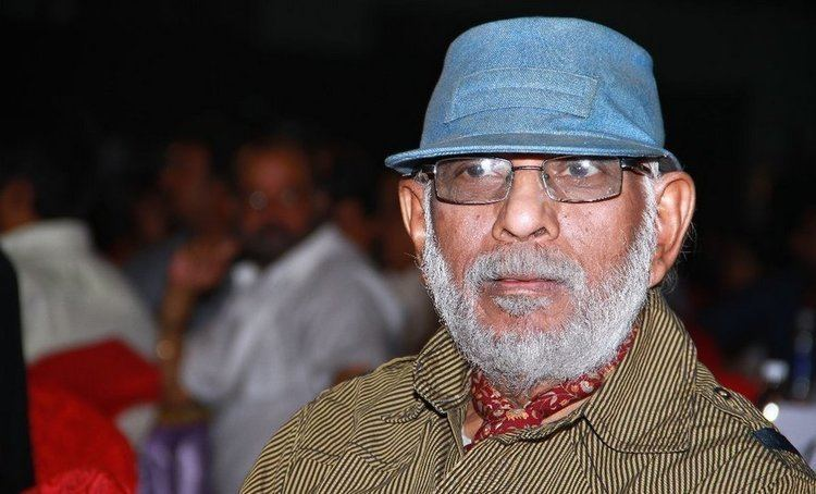 Balu Mahendra Mounika allowed to pay homage to Balu Mahendra iFlickz