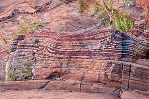 Banded iron formation httpsuploadwikimediaorgwikipediacommonsthu