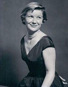 Barbara Bel Geddes httpsuploadwikimediaorgwikipediacommonsthu