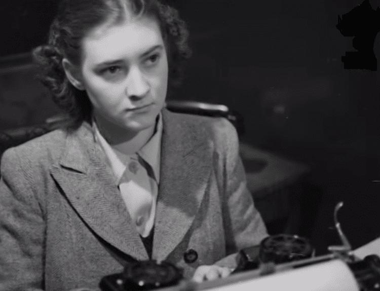 Barbara Buttrick ozTypewriter From Punching Royal Typewriter Keys to