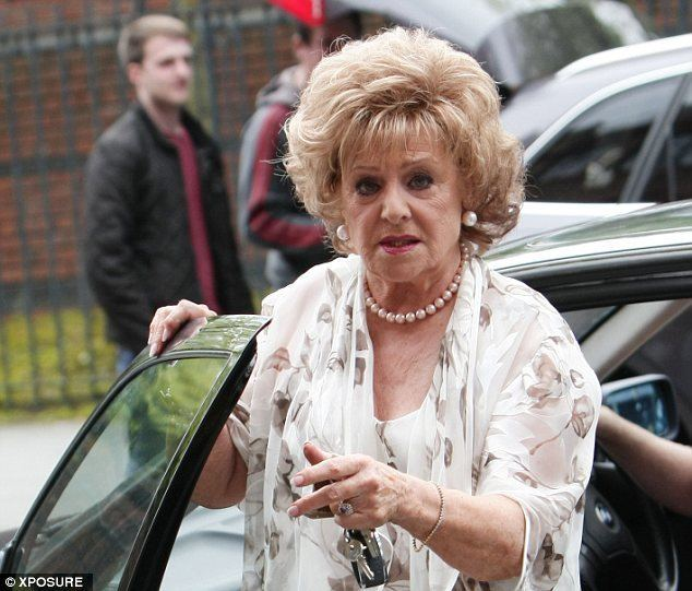 Barbara Knox Coronation Street star Barbara Knox 80 arrested for drink driving