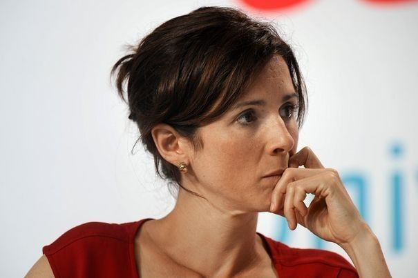 Barbara Romagnan A toi l39honneur Barbara Romagnan et ce curieux rapport