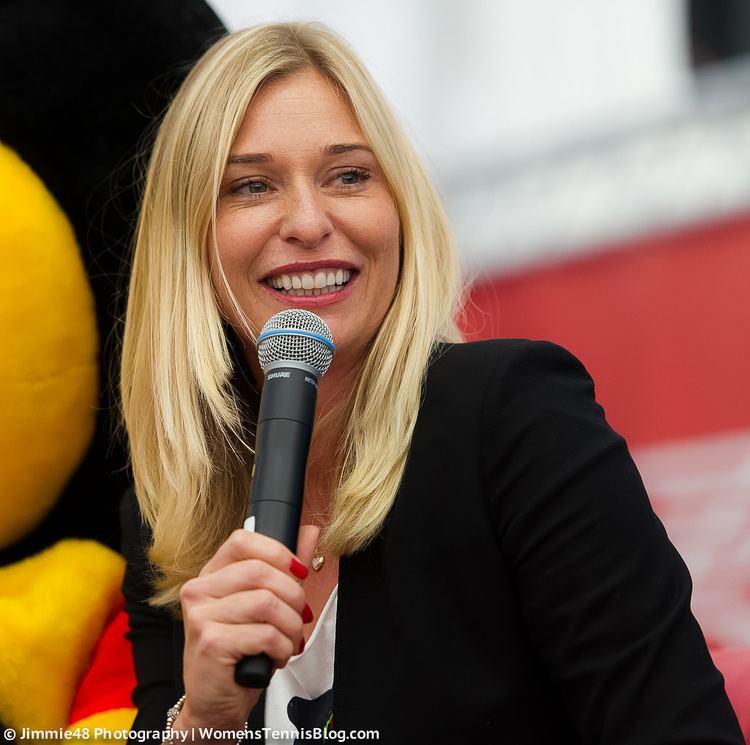 Barbara Schett wearing black coat during Kids Press Conference