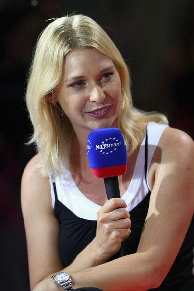 Barbara Schett interviews Svetlana Kuznetsova for Eurosport TV channel during the Sony Ericsson Championships