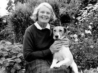 Barbara Woodhouse BBC Cymru39r Byd Radio Cymru Lluniau o 1980