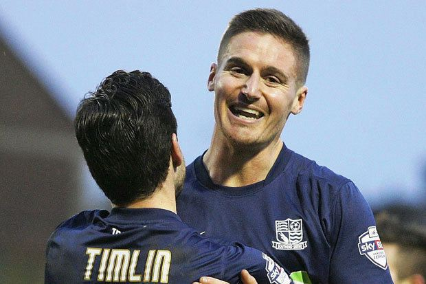 Barry Corr Southend 4 Millwall 1 Barry Corr switches lights back