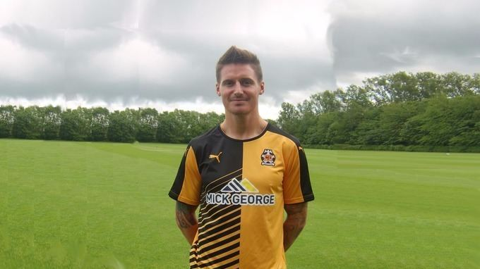 Barry Corr Southend promotion hero signs for Cambridge Anglia ITV