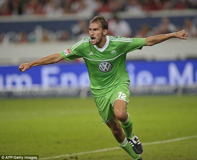 Bas Dost Newcastle chase Wolfsburg striker Bas Dost as Steve