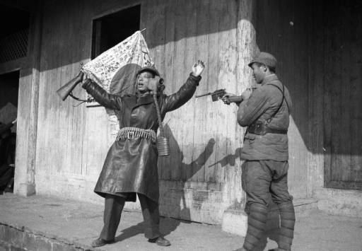 Battle of Changde Changde China a Chinese soldier and war correspondent reenact the