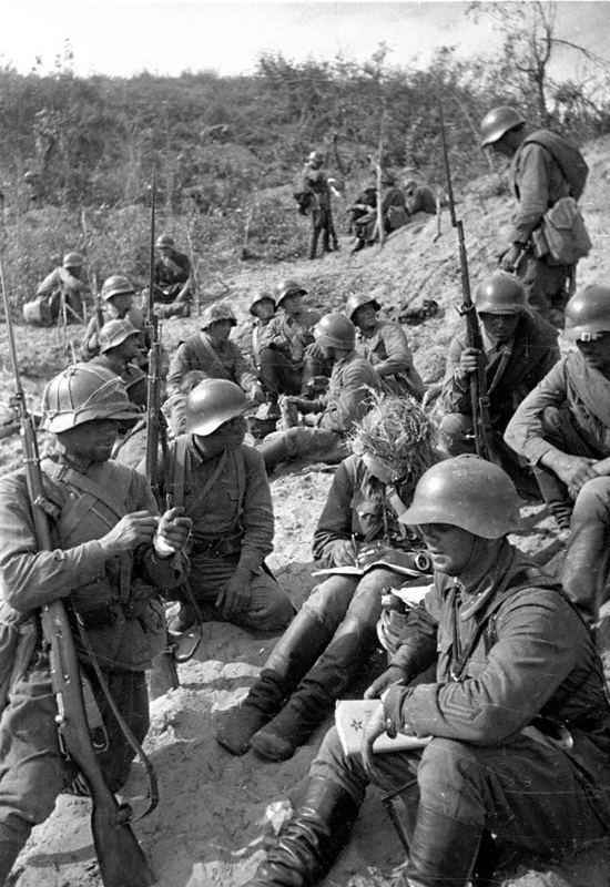 Battle of Lake Khasan FileBattle of Lake KhasanRed Army soldiers at restjpg Wikimedia