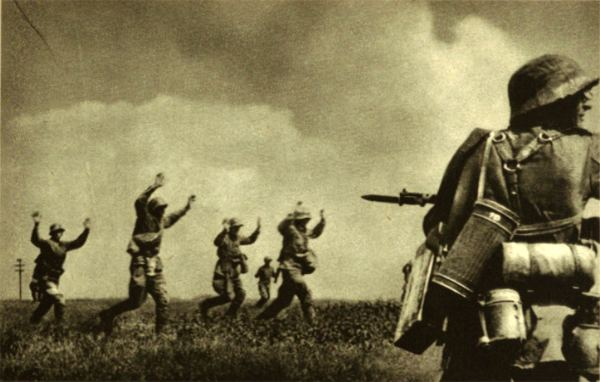 Battle of Smolensk (1941) AGAINST ALL ODDS Pictures of the Campaign in the East 1942