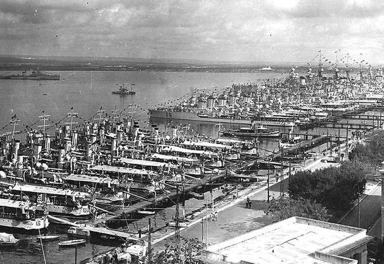 Battle of Taranto Timeline of Operation Judgement Attack on Taranto November 11th