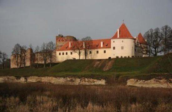 Bauska Castle httpsmediacdntripadvisorcommediaphotos02