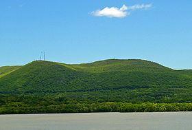 Beacon Mountain httpsuploadwikimediaorgwikipediacommonsthu