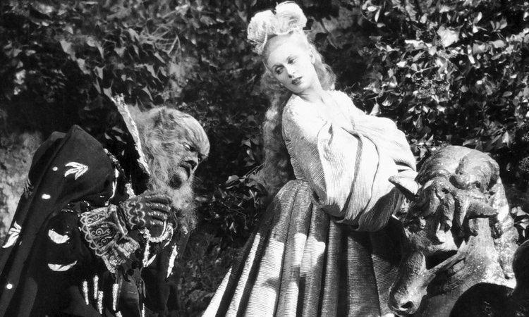 Beauty and the Beast (1946 film) La Belle et la Bte vs Disneys Beauty and the Beast Mana Pop