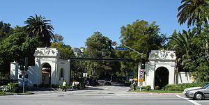 Bel Air, Los Angeles httpsuploadwikimediaorgwikipediacommonsthu