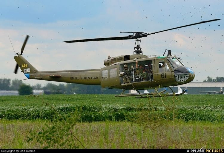 Bell UH-1 Iroquois Bell UH1H Iroquois Photos AirplanePicturesnet