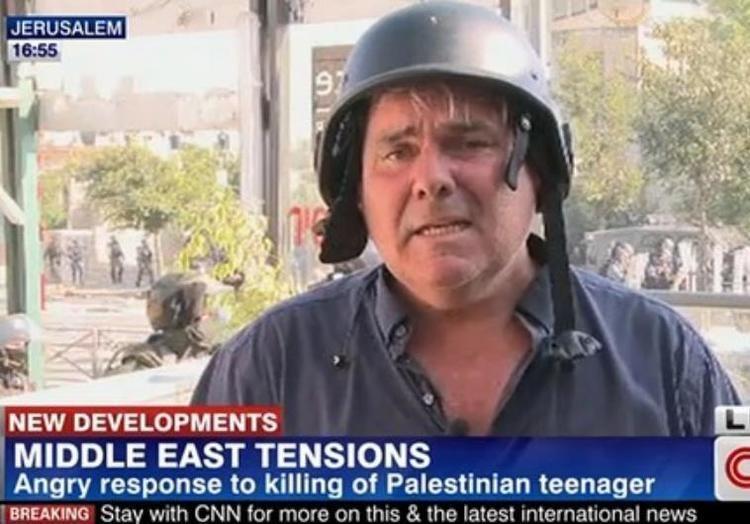 Ben Wedeman WATCH CNN correspondent hit by rubber bullet during