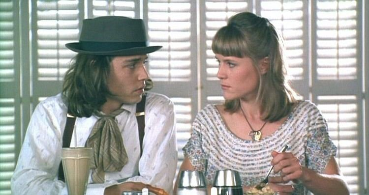 Benny %26 Joon movie scenes Sam Johnny Depp and Joon Mary Stuart Masterson share some tapioca pudding