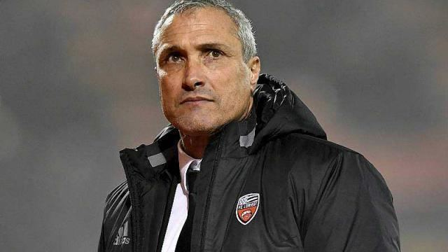 Bernard Casoni Football Bernard Casoni reste lentraneur du FC Lorient