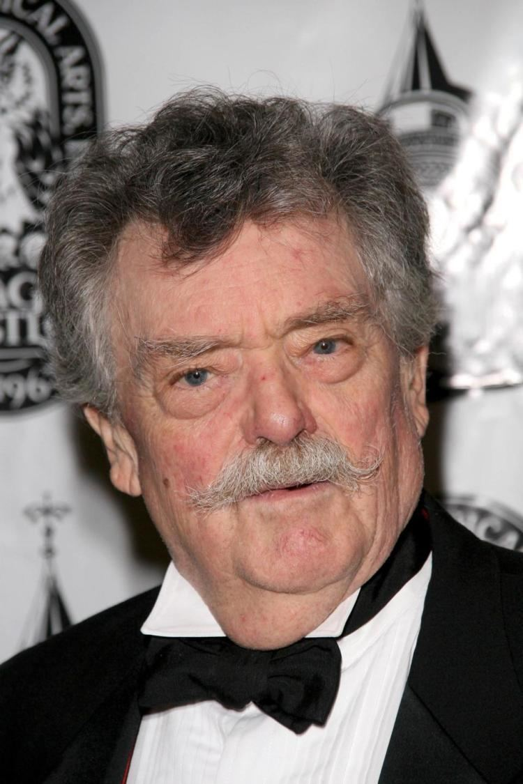 Bernard Fox (actor) Bewitched and Titanic actor Bernard Fox dead at 89 NY Daily News