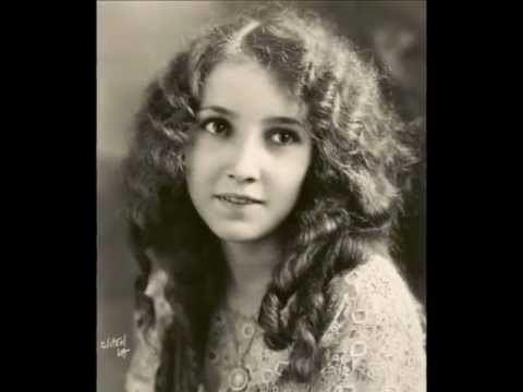 Bessie Love Bessie Love biography YouTube