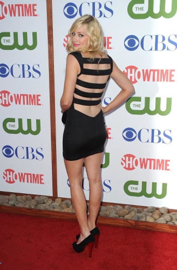 Beth Behrs Beth Behrs Bra Size Bing images