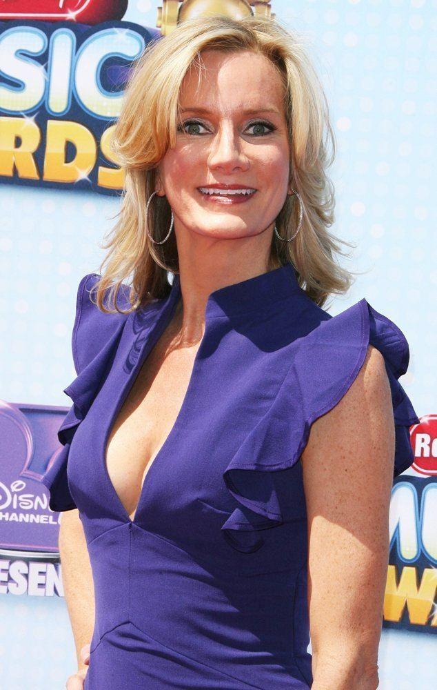 Beth Littleford Beth Littleford Picture 15 Radio Disney Music Awards 2014