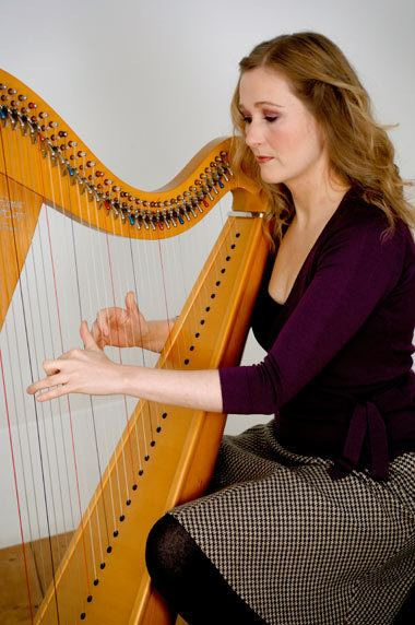 Bethan Nia Contact Bethan Nia Wedding Harpist in Cardiff Wales