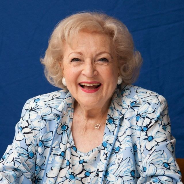 Betty White 21 Images of Betty White Over The Years Wizzed