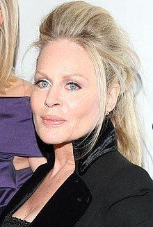 Beverly D'Angelo httpsuploadwikimediaorgwikipediacommonsthu
