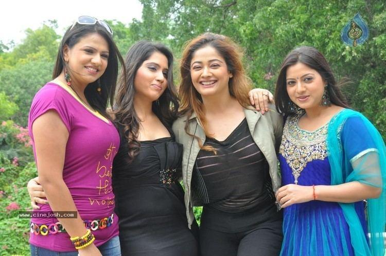 Bhajantrilu Bhaja Bhajantrilu Movie Press Meet Photo 14 of 54
