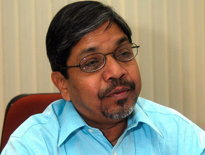 Bhalchandra Mungekar Economic Defender Raj Babbar introduces a new face Glass House
