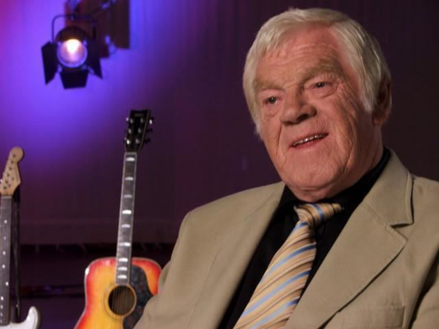 Big Tom Who is Big Tom Irish country and trad singer and Irelands King of