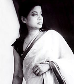Bijoya Ray Satyajit Ray39s wife Bijoya passes away Rediffcom Movies