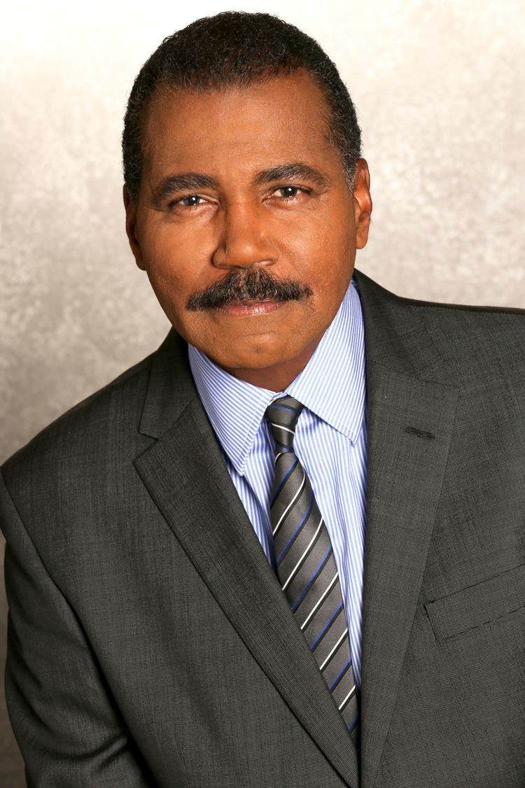 Bill Whitaker (journalist) 60 Minutes Bill Whitaker Is New Correspondent Hollywood Reporter
