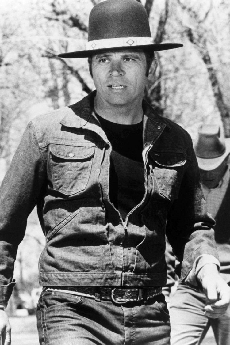 Billy Jack Billy Jack Star Tom Laughlin Dies at 82 Hollywood Reporter